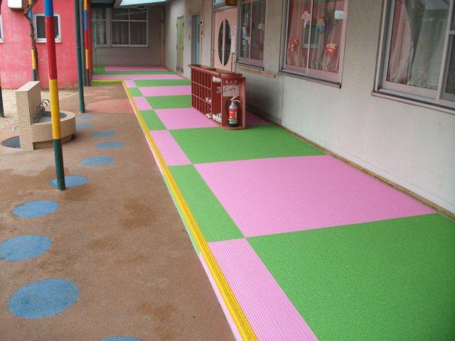 幼稚園の廊下施工後